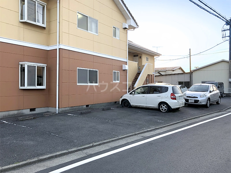 ラ・ヴェール高崎Ⅲ 202号室の駐車場