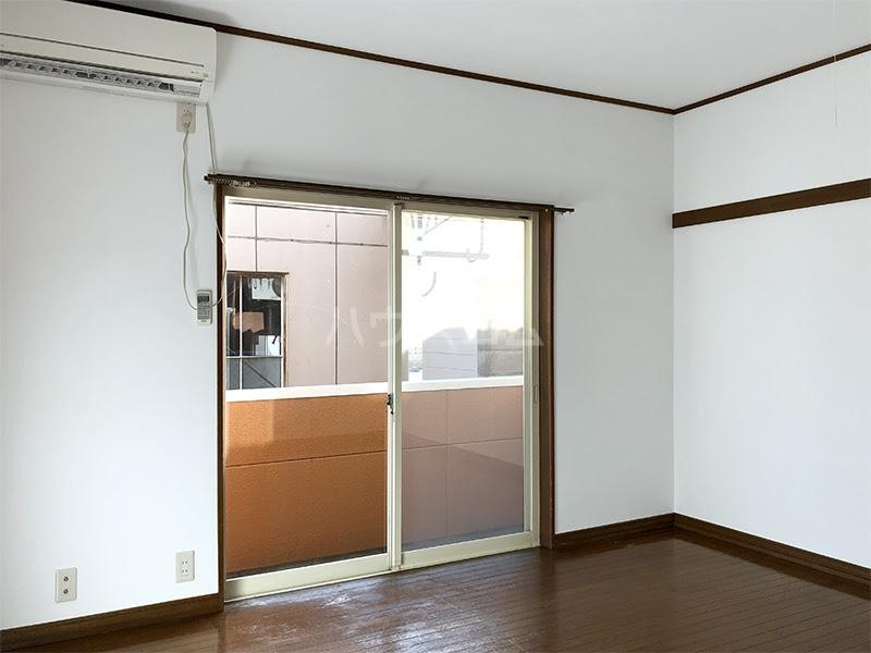 ラ・ヴェール高崎Ⅲ 202号室のリビング
