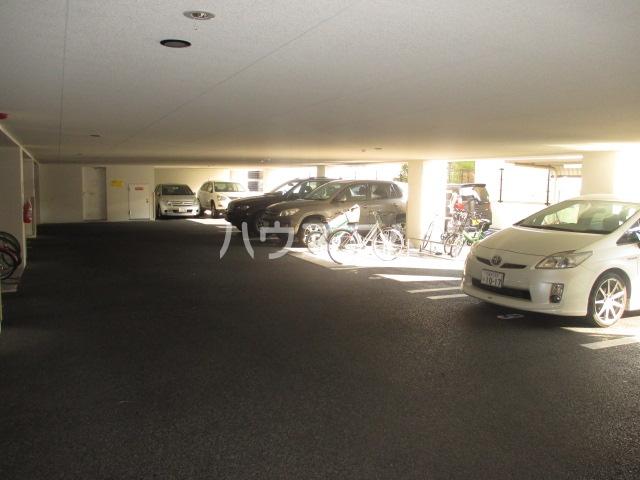 レジディア高宮 602号室の駐車場