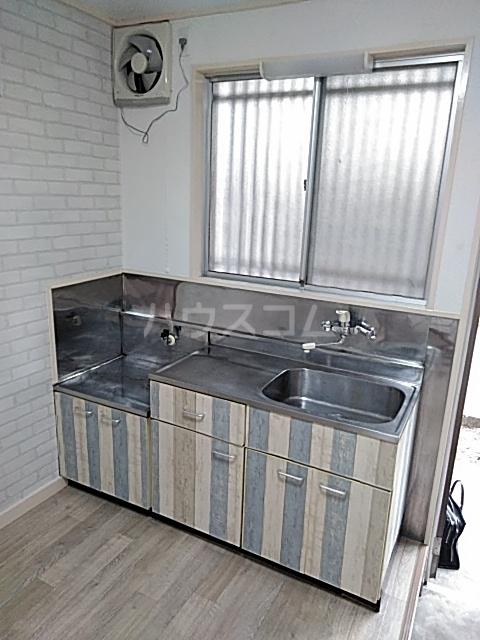 エムケーハウスB 102号室のキッチン
