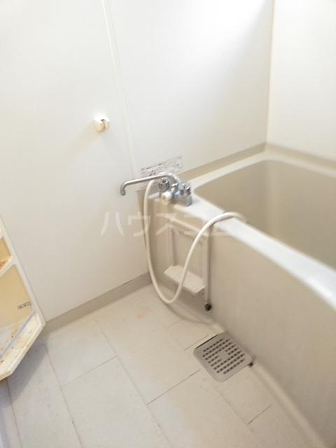 コゥジィーコート B 102号室の風呂