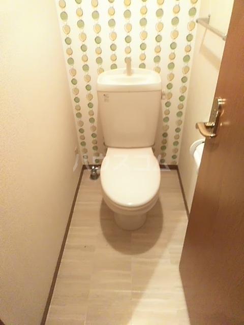 コゥジィーコート B 102号室のトイレ