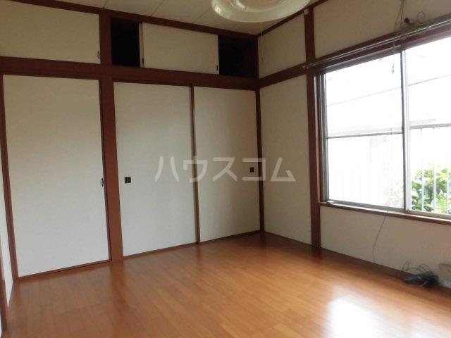 堀田アパート 202号室のリビング