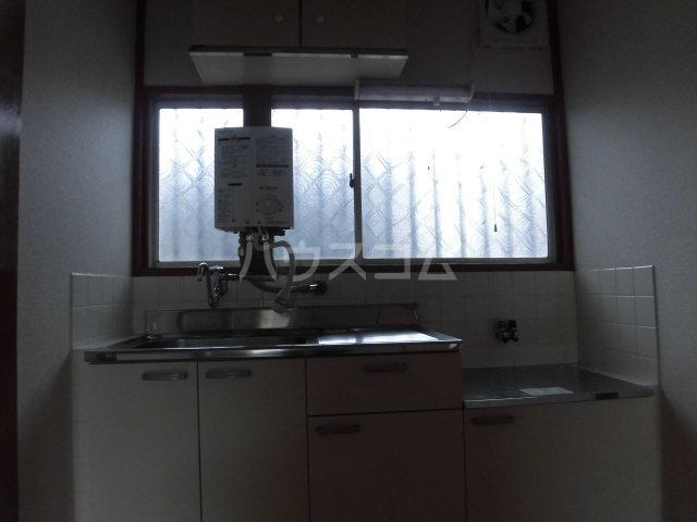 堀田アパート 202号室のキッチン