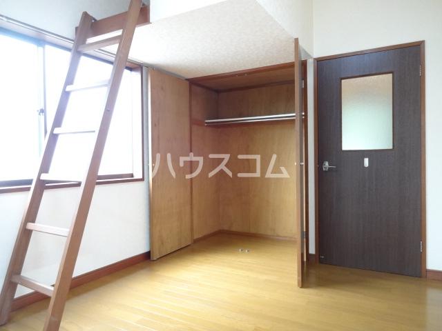 コスモメッツ鎌ケ谷 208号室のリビング