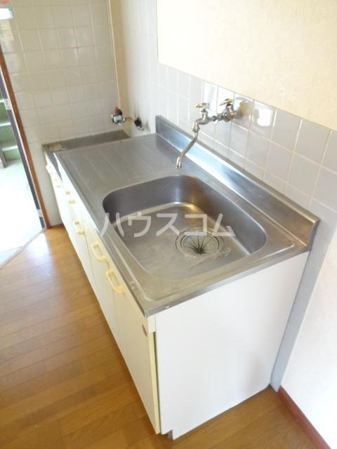 コスモメッツ鎌ケ谷 208号室のキッチン