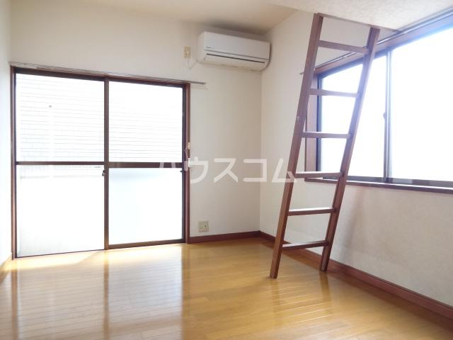 コスモメッツ鎌ケ谷 208号室の居室