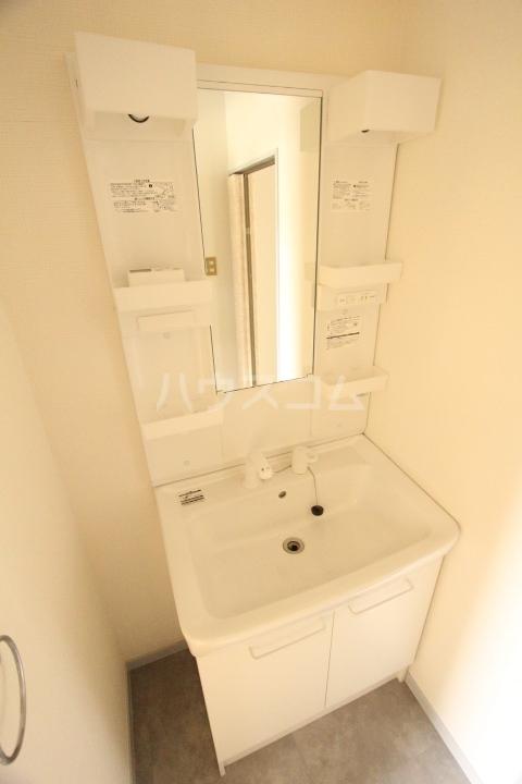 ハイツ一番館 105号室の洗面所