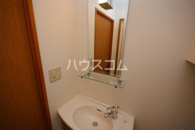 シャトー'01 602号室の洗面所