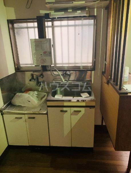 関根荘 103号室のキッチン