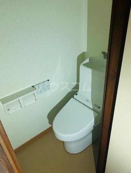 関根荘 103号室のトイレ