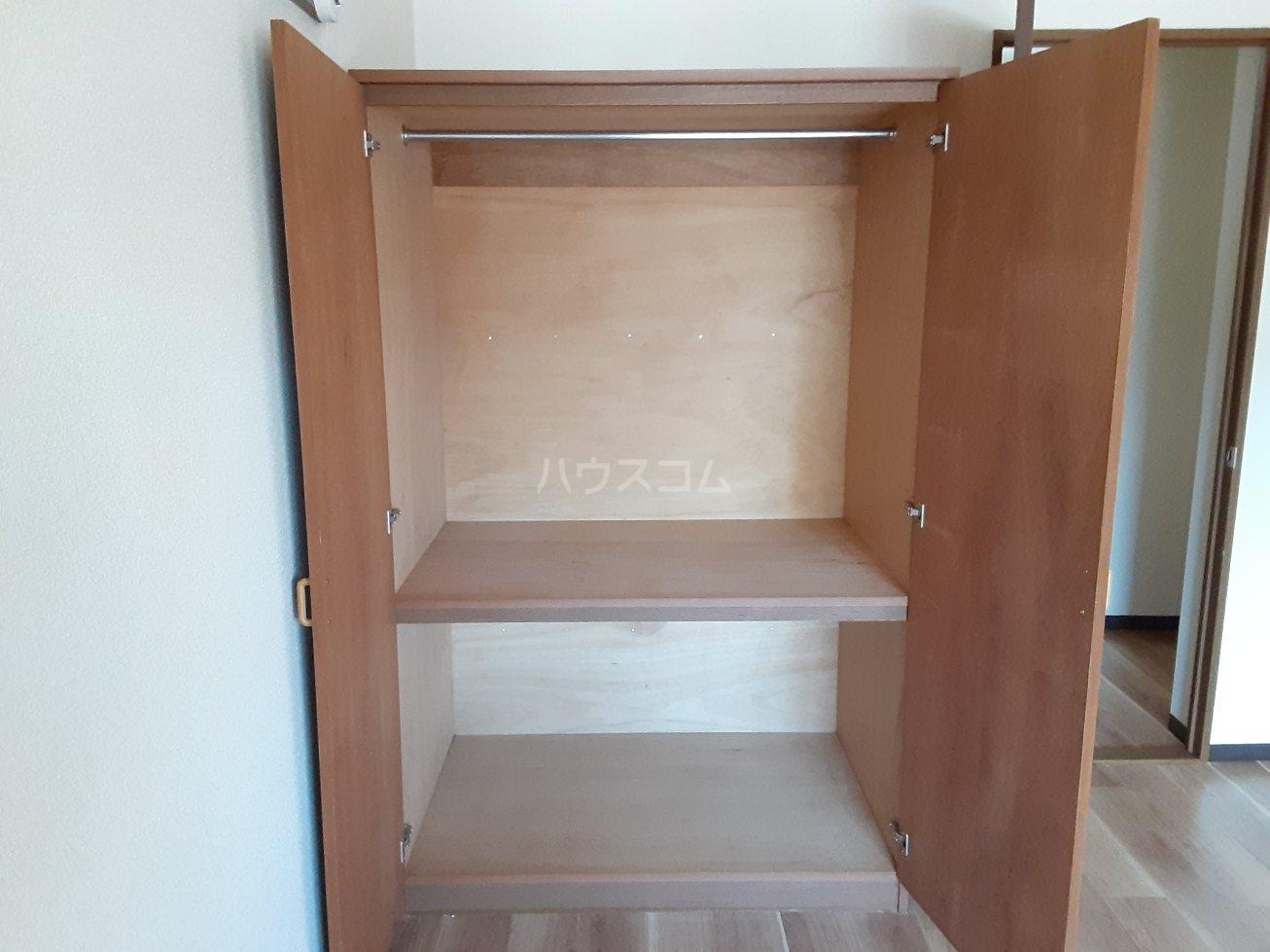 ビアンクルー 105号室の玄関