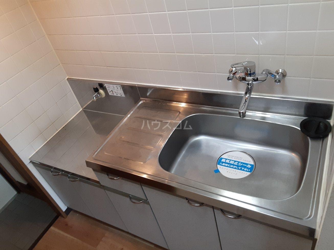 ビアンクルー 105号室のキッチン