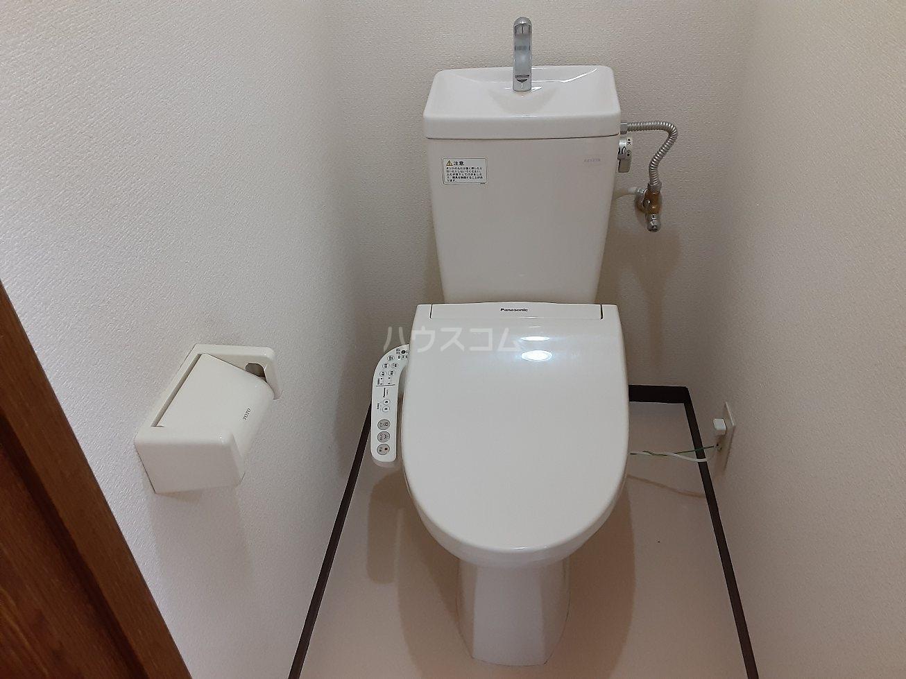 ビアンクルー 105号室の洗面所