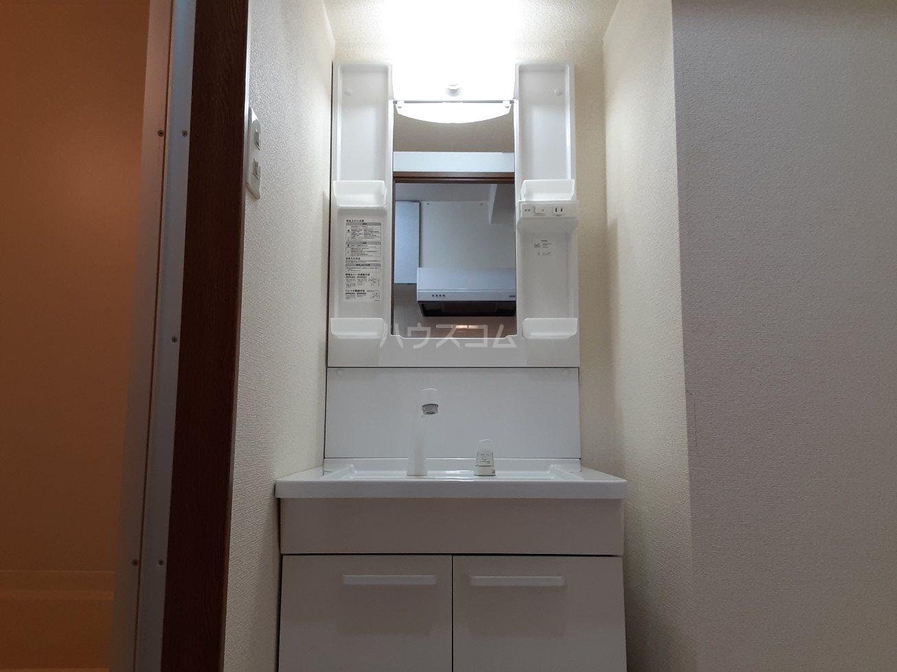 ビアンクルー 105号室のトイレ