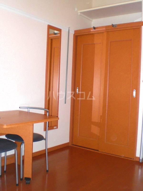 レオパレスパストラル 107号室の収納