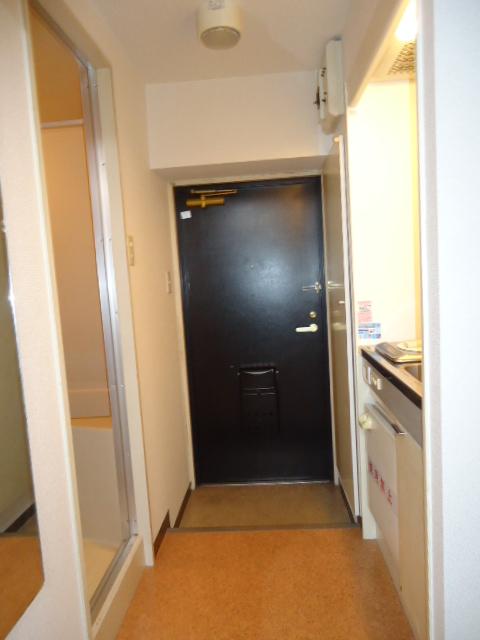 ルイシャトレ元八事 303号室の玄関