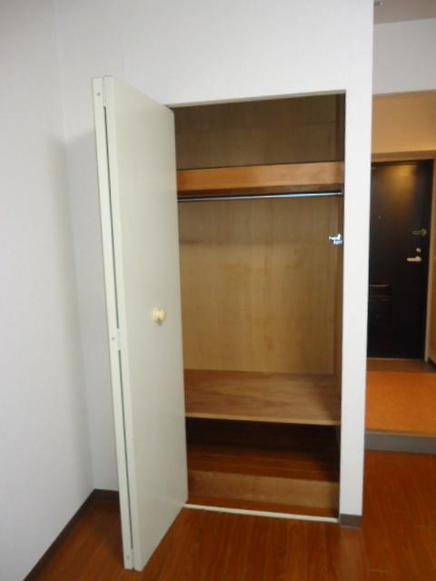 ルイシャトレ元八事 303号室の収納