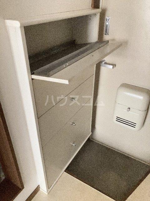 ウィングコート 00102号室の玄関