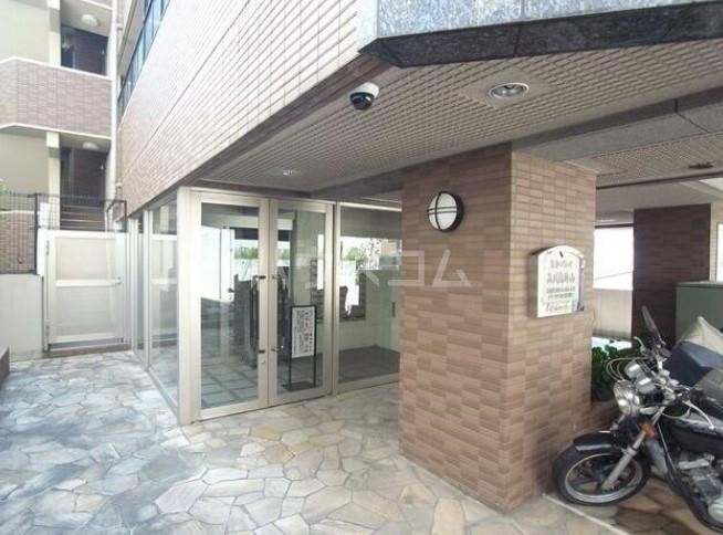 菱和パレス品川島津山 5F号室のエントランス
