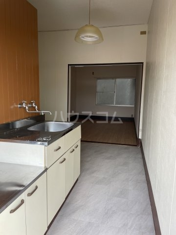 松山荘 17号室のキッチン