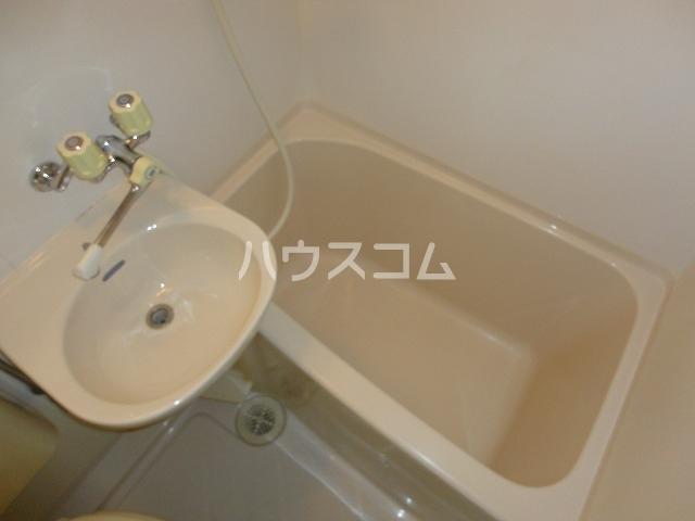 EXE'88 103号室の洗面所