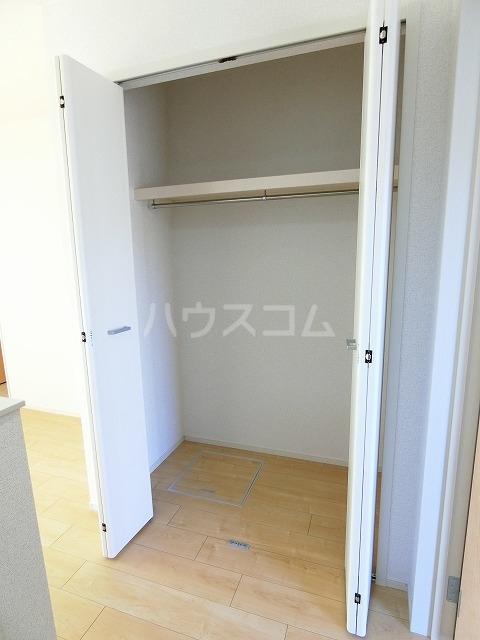 レガーメ Ⅱ 01010号室の収納