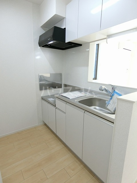 レガーメ Ⅱ 01010号室のキッチン