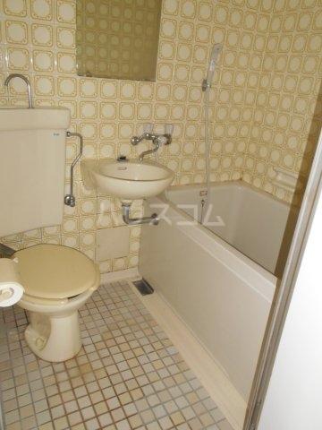 PES六本松西 203号室の洗面所