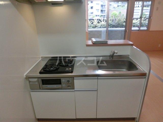 メゾン フォンテーヌ  106号室のキッチン