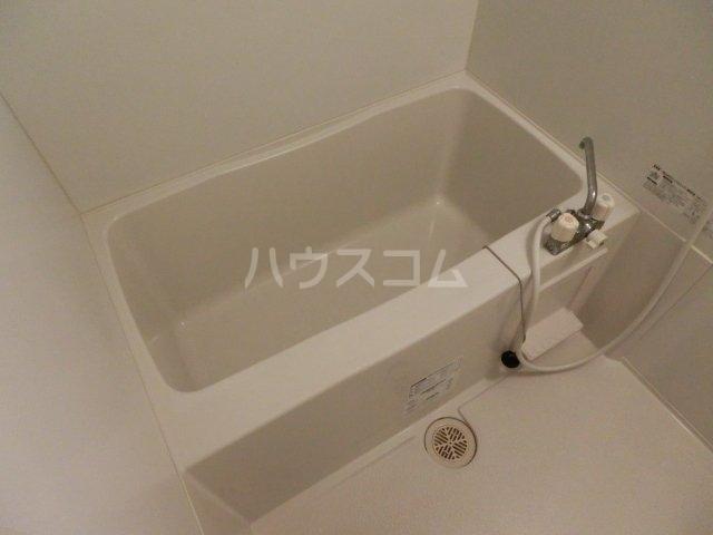 メゾン フォンテーヌ  106号室の風呂