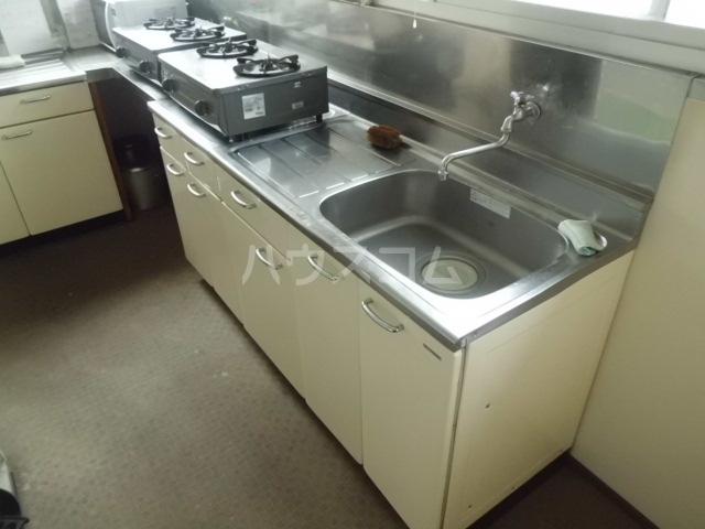第一みどり荘 108号室のキッチン