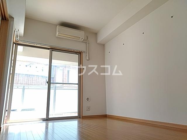 グランパ藤永田 402号室のリビング
