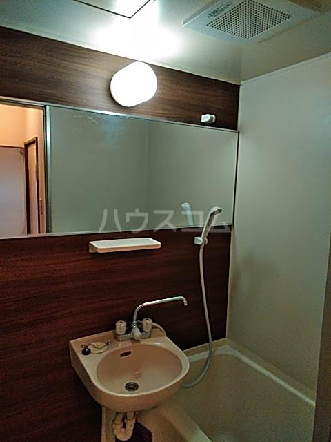 エクセル7 206号室の洗面所