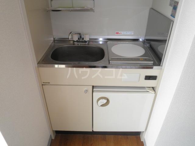 ベルトピア和泉大宮 205号室のキッチン