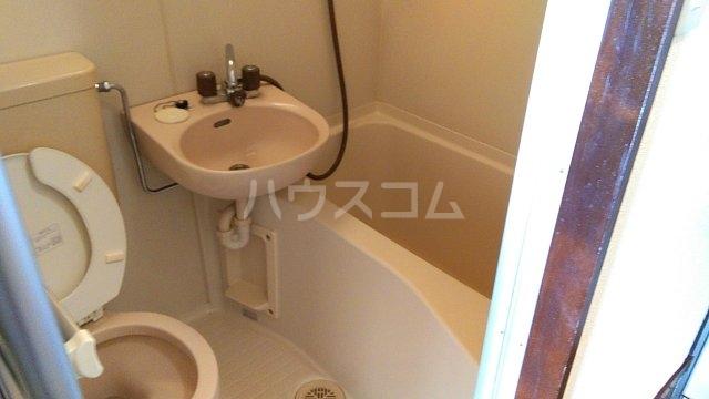 グリーンハウス湘南 302号室の風呂