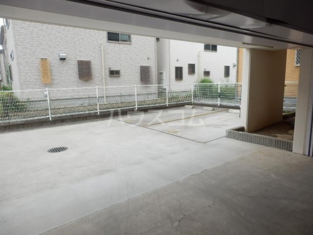 パルハウス萩原 602号室の駐車場