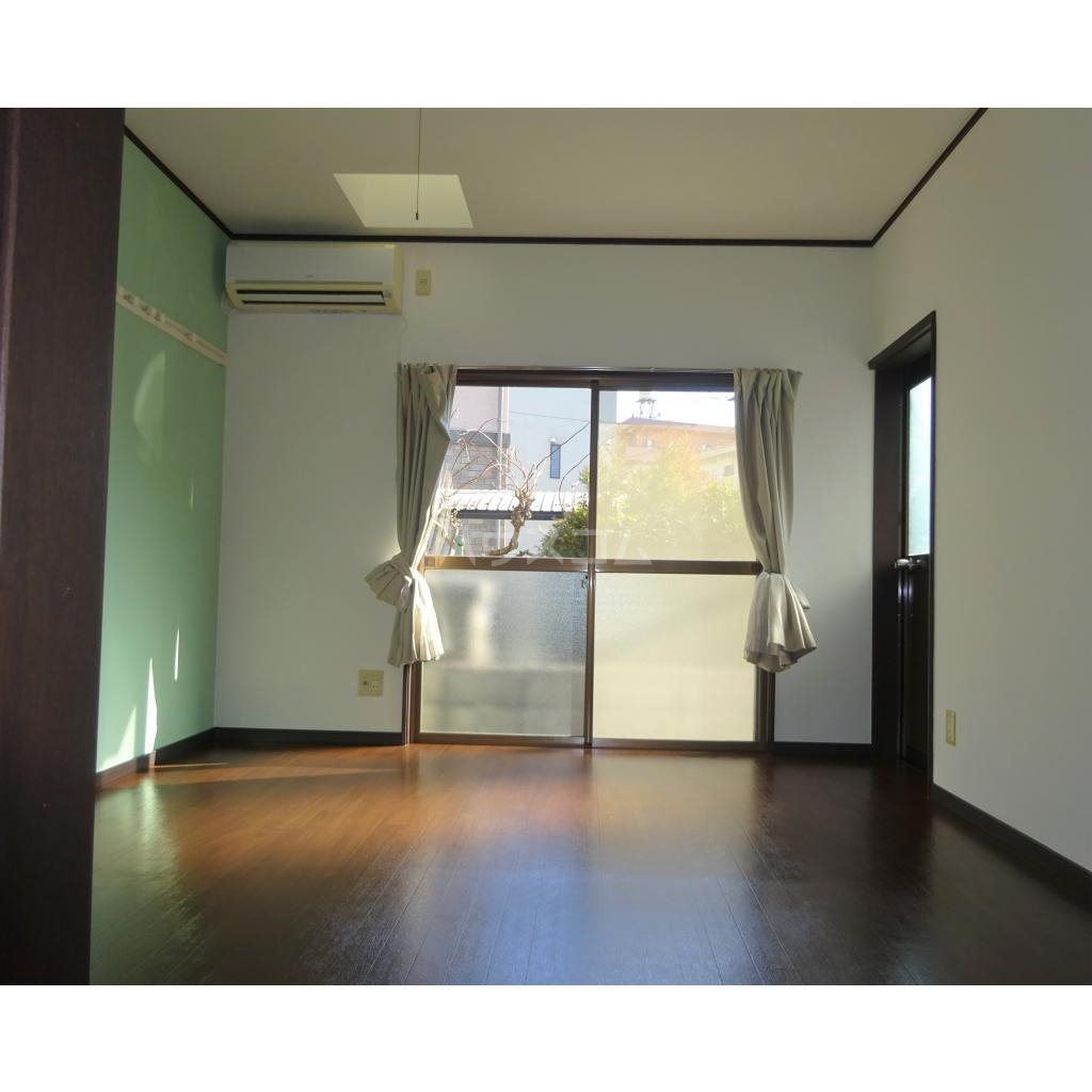 エンゼルハイツ 103号室の居室