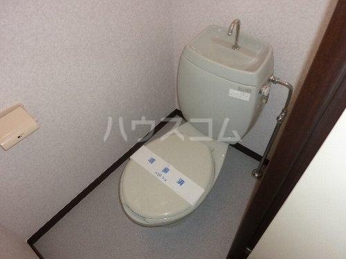 ホワイトハイツ 102号室のトイレ