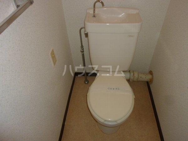 グリーンヒルズ中野木 403号室のトイレ