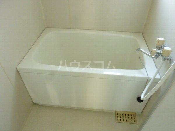 グリーンヒルズ中野木 404号室の風呂
