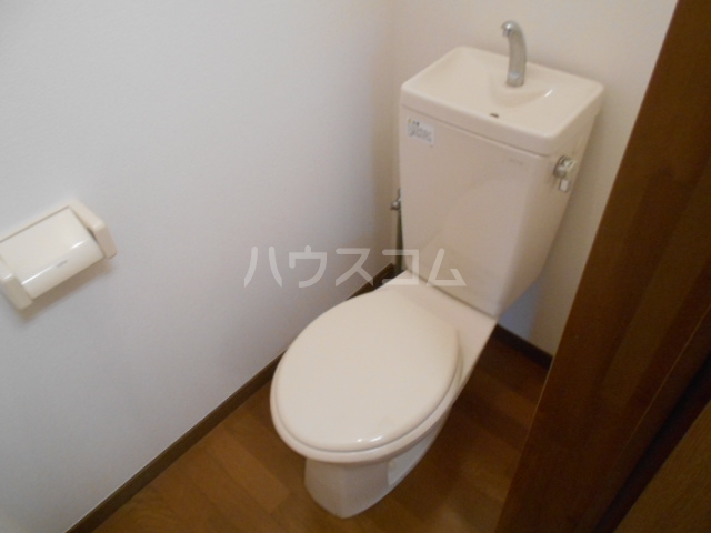 リバティーベル 102号室のトイレ