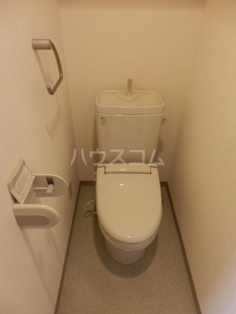アミティエ・船橋駅前 502号室のトイレ