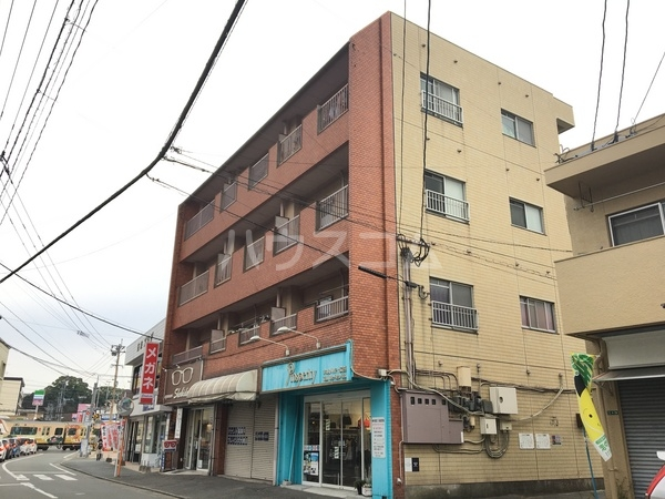 五条駅前萩尾ビルの外観