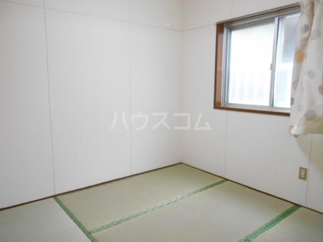鈴木ビルデンス 104号室の居室