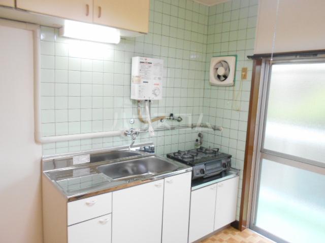 鈴木ビルデンス 104号室のキッチン