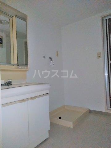 パレス町田 115号室の洗面所