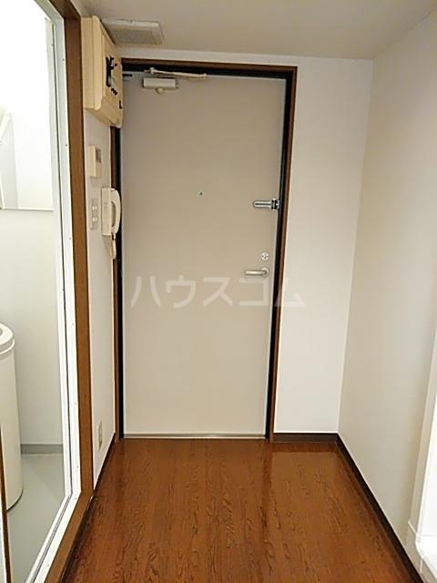 ダイヤモンドビル高田馬場 204号室の玄関
