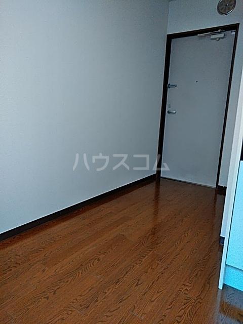 ダイヤモンドビル高田馬場 206号室の居室