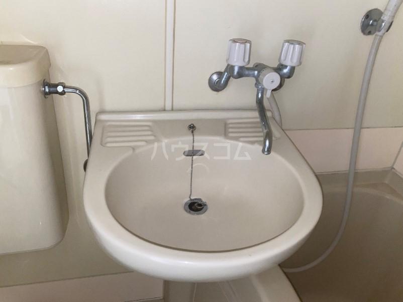 ラ・レジダンス・ド・タクマ 505号室の洗面所